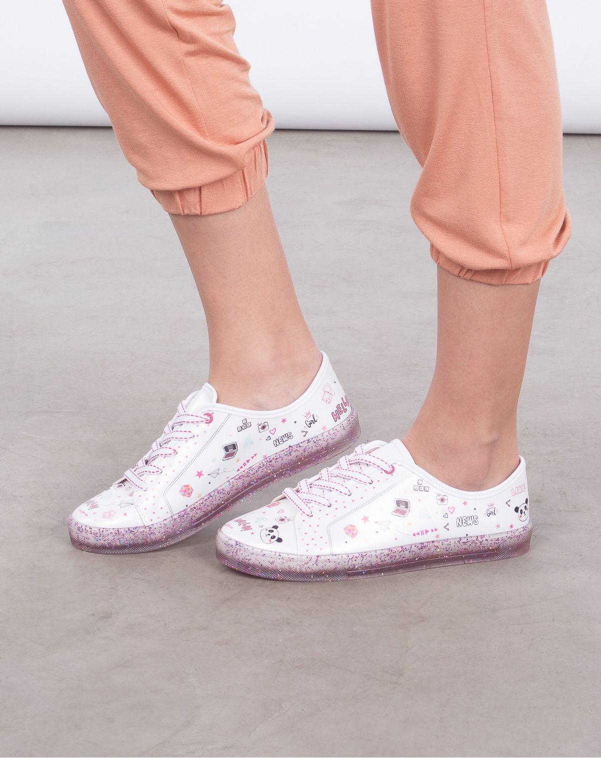 2050005633329-Tenis-Glitter-Infantil-Menina-Estampa-Divertida-Molekinha-BRANCO-31-1