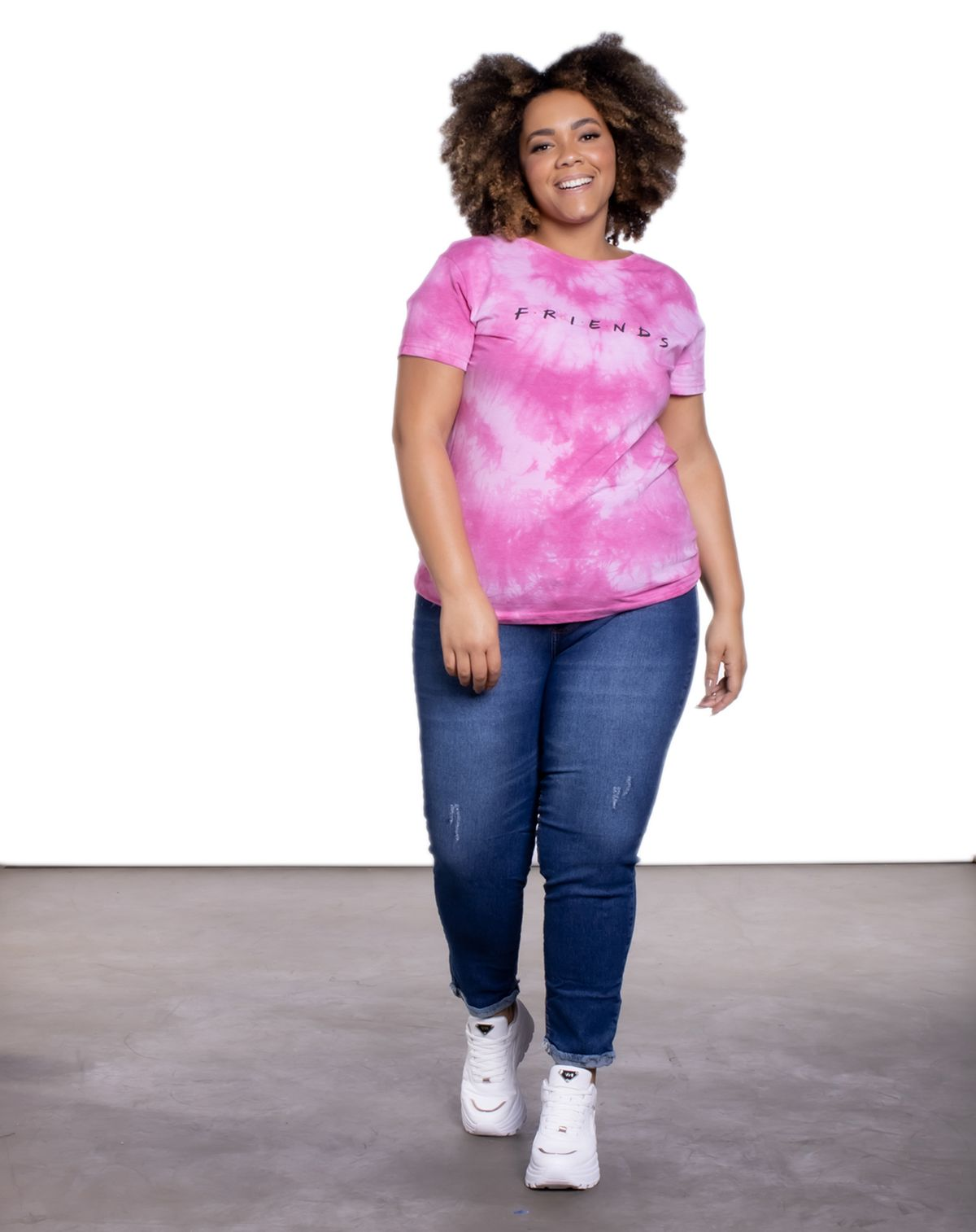 578909001-calca-jeans-plus-feminina-botoes-desfiada-jeans-escuro-46-3f4